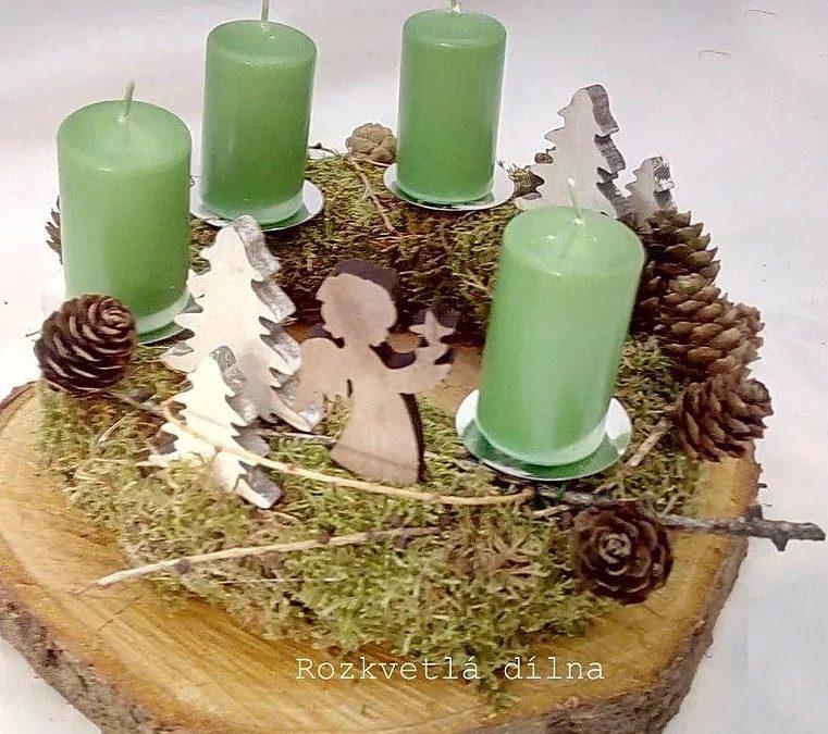 Adventní věnce, svíce, prostě krása Vánoc