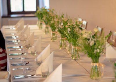 dekorace stolu v lučním duchu