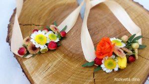 Květinový náramek se živými květinami