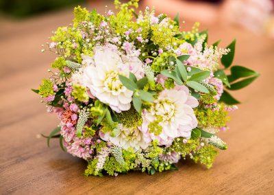 růžovo_zelená-svatební_kytice