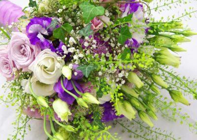 svatební kytice s břečťanem