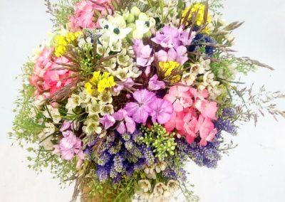 svatební kytice luční styl 3