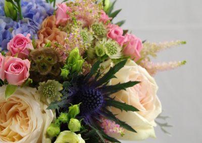 svatební kytice s hortenzií a růžemi 2