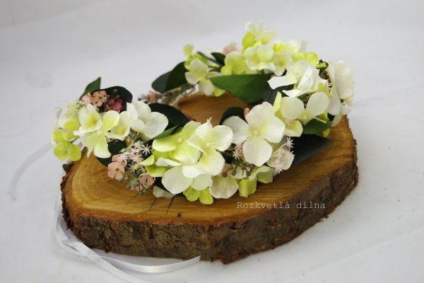 Věneček bílé květy s růžovou