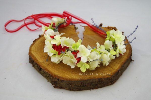 Věneček bílé květy s červenou 3