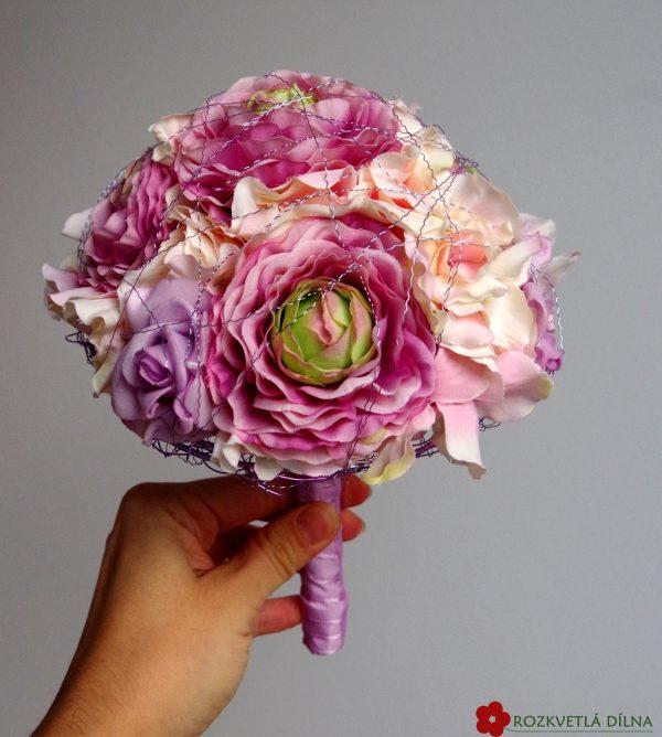 Pryskyřník a hortenzie - umělá kytice