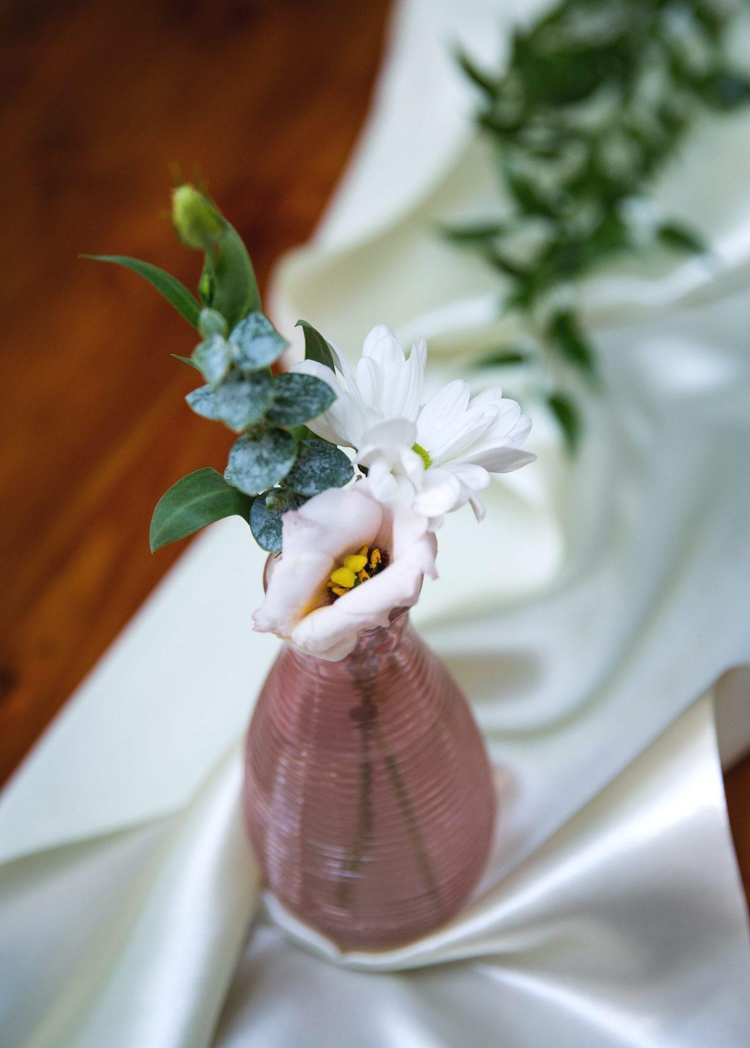 Vázička růžová