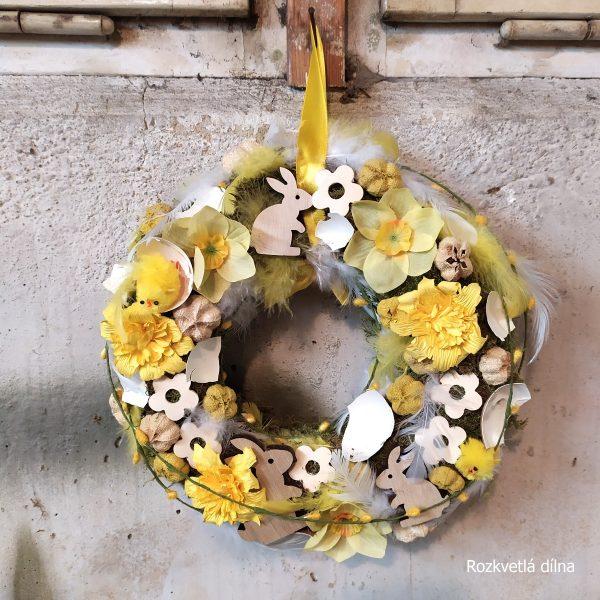 Jarní věnec - narcisy