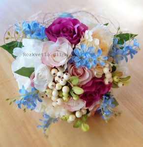 Pestrá kytice pro nevěstu