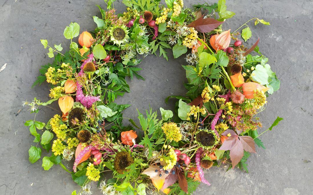 Čistě přírodní podzimní věnec